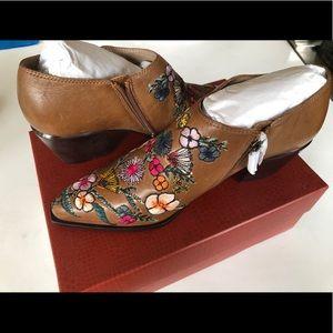 Donald Pliner Rietas Floral Booties Siena Size 8.5